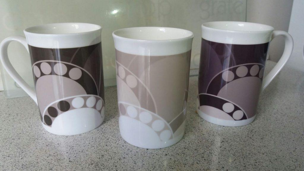 Elegant Porcelain Mugs With Fern Leaves Design